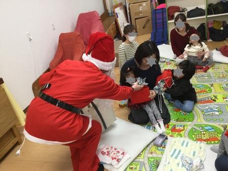 パンジー_クリスマス会サンタ.jpg